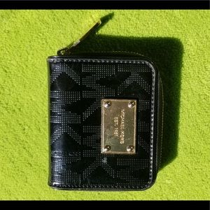 Micheal Kors mini wallet